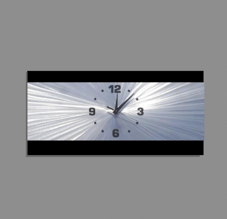 Metal Wall Clock – Retro