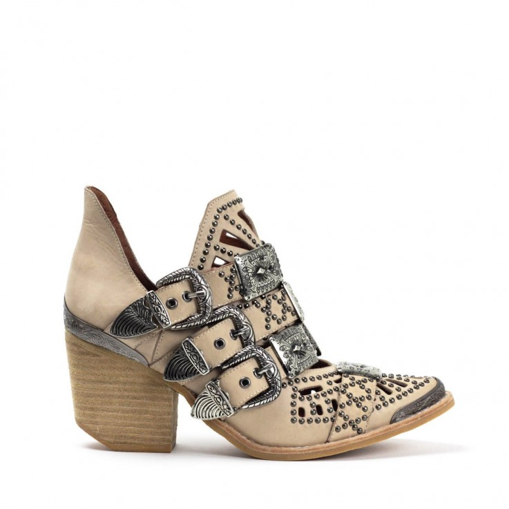JEFFREY CAMPBELL WYCLIFF-2 STUD BOOT