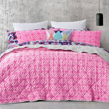 Mode Zahara Quilted Coverlet