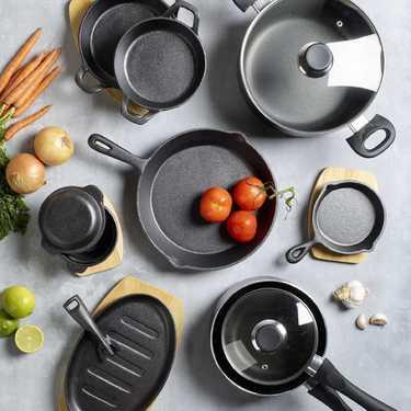 IMK Non Stick Casserole Dish Black 24 cm