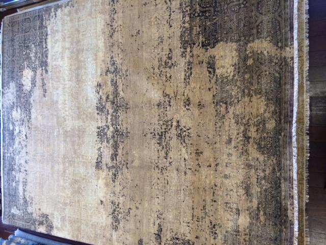 DISTRESSED VINTAGE CREAM/BROWN WOOL RUG