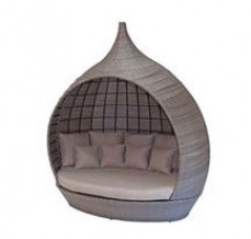 Pagoda Daybed
