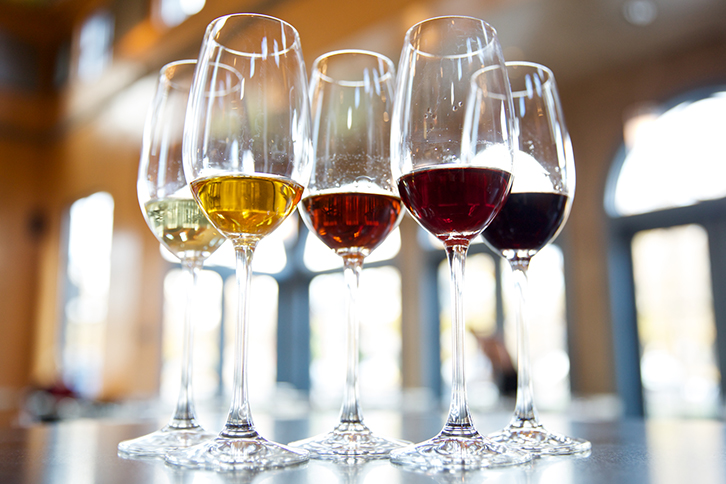 Finest Quality Wines Distribution Service For Bars & Restaurants