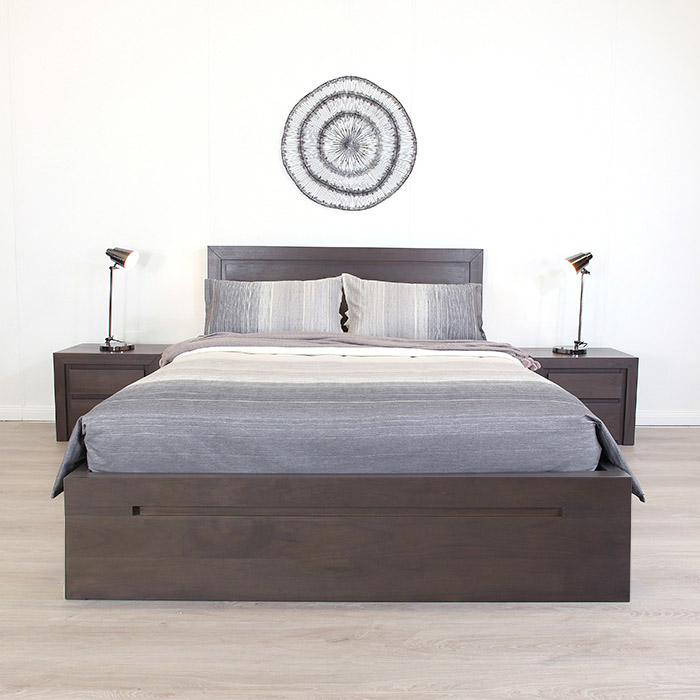 VILLA GREY WALNUT KING DRAWER BASE BED F